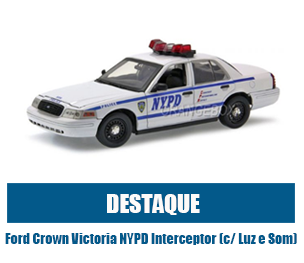 Ford Crown Victoria NYPD Interceptor (c/ Luz e Som) 2001 1:18 Greenlight