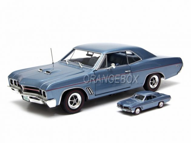 Buick GS Hardtop Sapphire 1967 1:18 + Buick 1:64 Autoworld