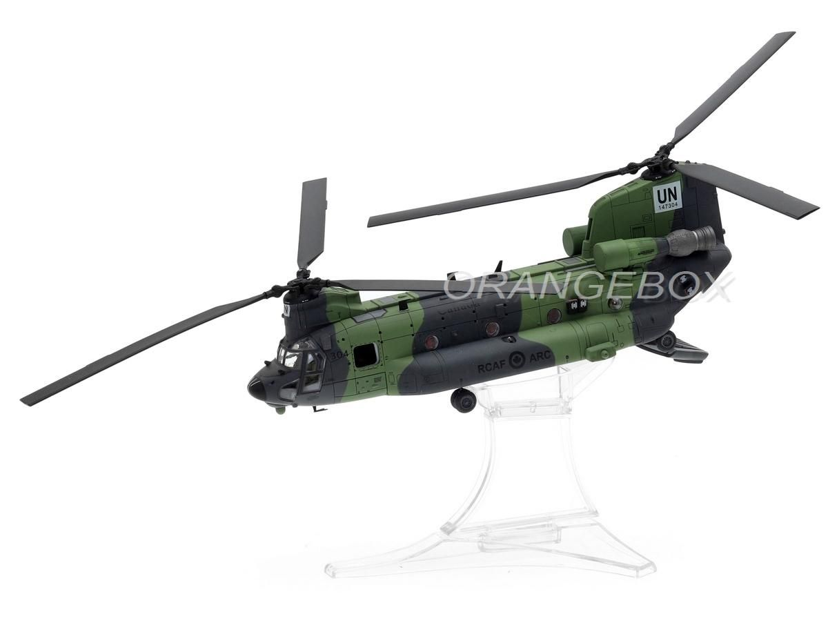 Helicoptero Boeing Chinook CH-147 Royal Canadian Air Force #147304 (Valkyrie Nose Art) 1:72 Forces o