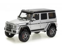 Mercedes Benz G500 4X4 1:18 Almost Real