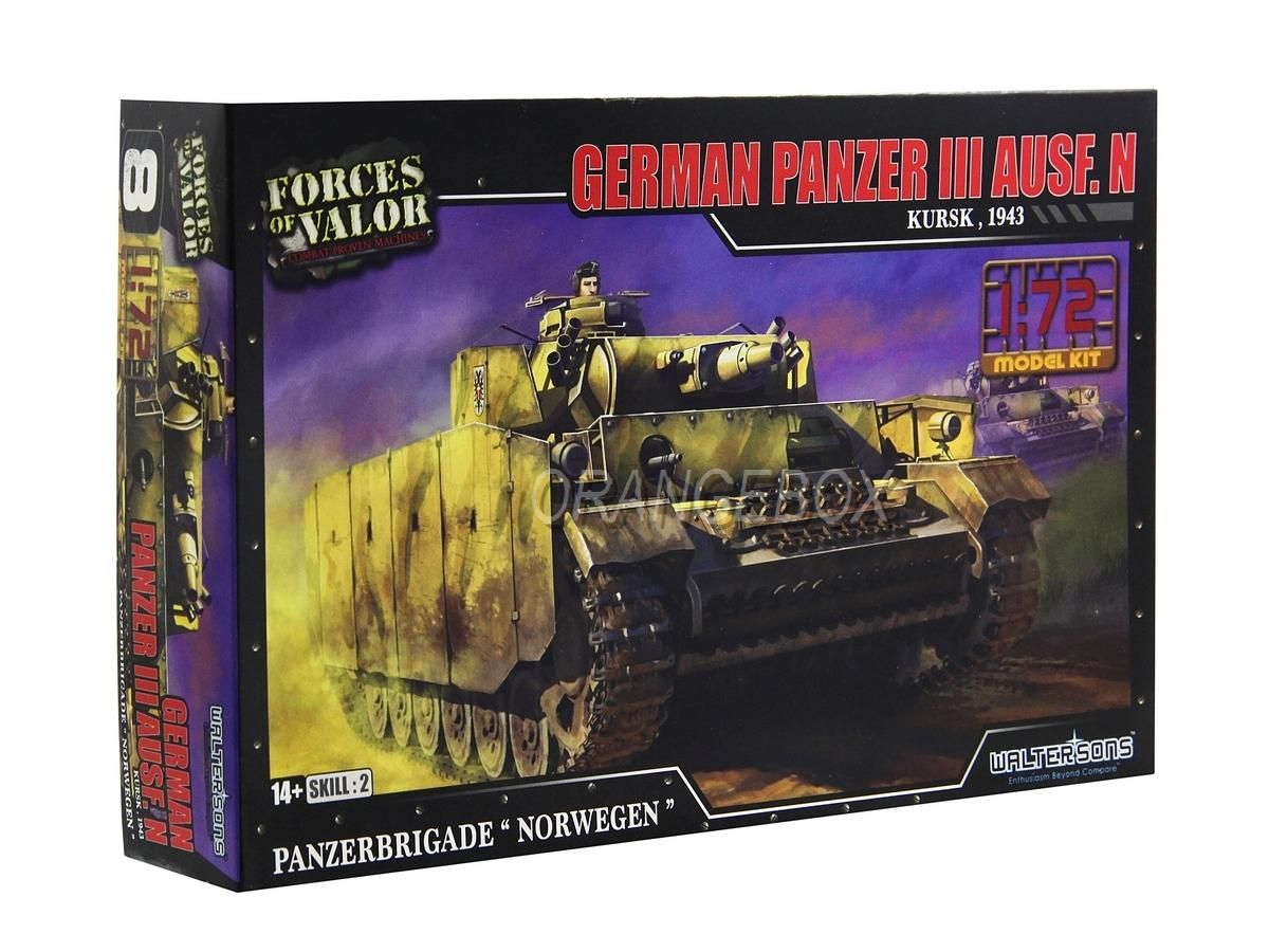 Model Kit Tanque German Panzer III Ausf. N (Kursk 1943) 1:72 Forces of Valor
